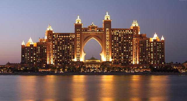 Hotel Atlantis.jpg